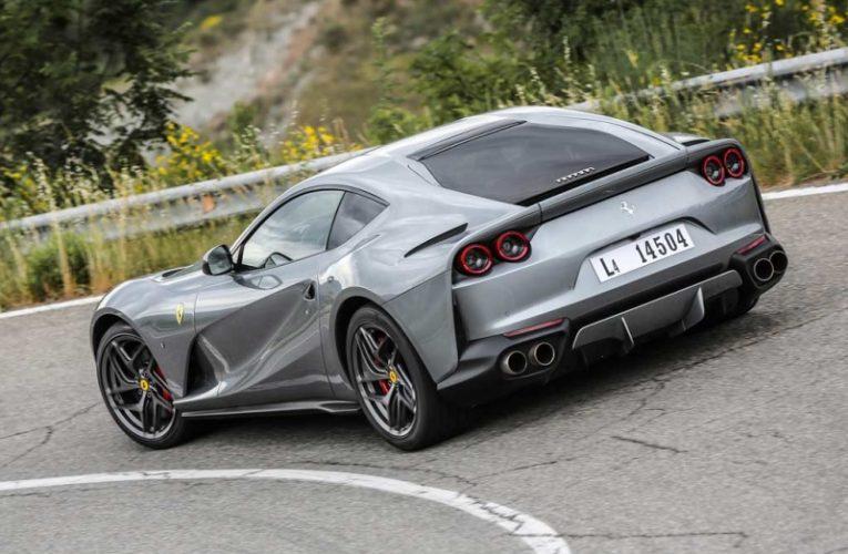 Может отвалиться заднее окно: Ferrari отзывает суперкары 812 Superfast